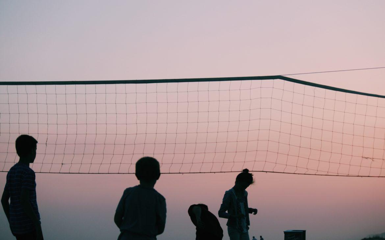 Tworzymy boisko do siatkówki – krok po kroku